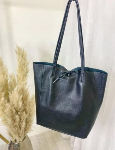 BUTTERSOFT LEATHER TOTE BLACK