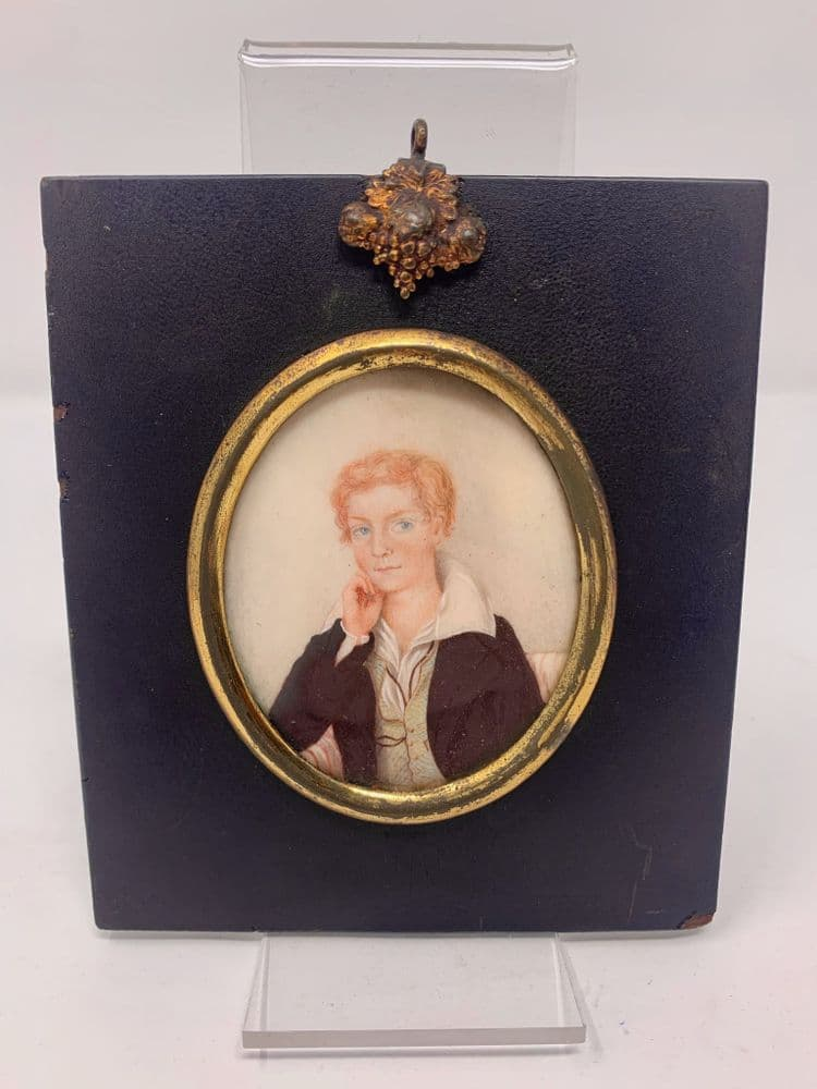 A FINE PORTRAIT MINIATURE OF A YOUNG MAN VICTORIAN 1838 Oil ON Wafer