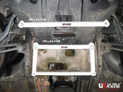ULTRA RACING 2-Point Front Lower Tiebar  BMW E83 X3 2.5 03+