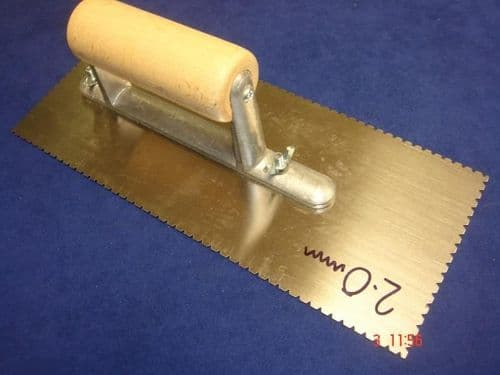 Flooring Adhesive V Notched Trowel 2.0mm with Wood Handle
