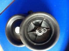 USED MOCAD WHEELS WITH BUILT IN CLUTCHES (PAIR)