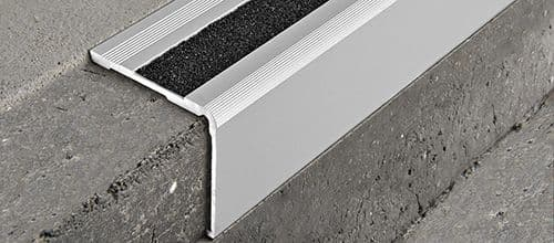 Pro end 5050 silver annodised aluminium PUNCHED 3.3 m x 50 x 50