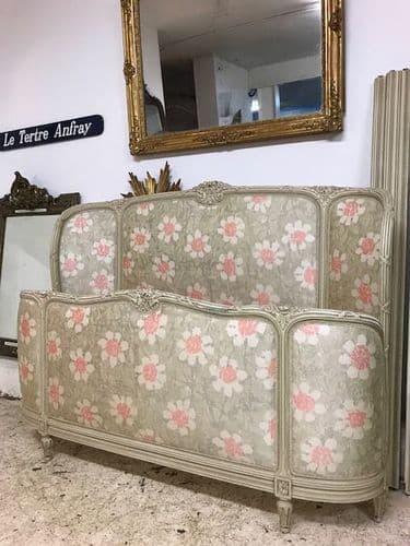 Antique King Size Bed - Curved Head and Foot Boards - n101