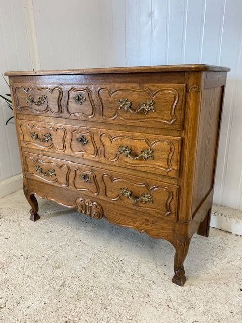 Lovely French Oak Chest of Drawers - b532