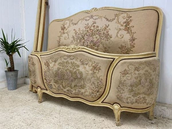 LOVELY VINTAGE UPHOLSTERED FRENCH BED  - g163
