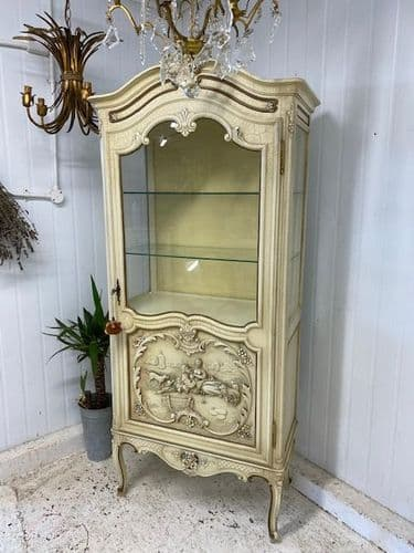 Pretty French Display Cupboard - yt5