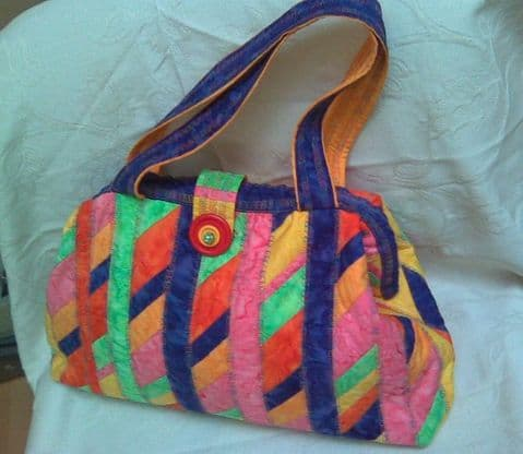 Karry's Carpet Bag (Large) with Spriral Piecing instructions