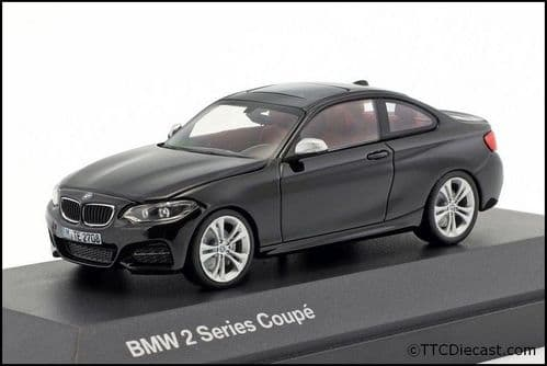 Dealer model BMW 2336868 - BMW 2 Series COUPE F22 sapphire black -  1:43 Scale