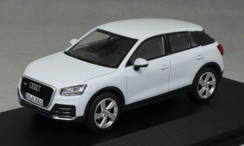 iScale 5011602631 - 1:43 Scale Audi Q2 Glacier White - Audi Dealer Packaging