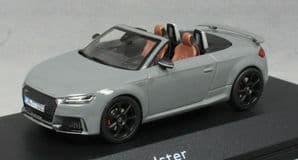 iScale 5011610531 - 1:43 Scale Audi TT RS Roadster Nardo Grey - Audi Dealer Packaging
