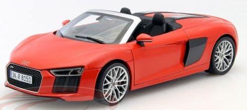 iScale 5011618552 - 1:18 Scale Audi R8 Spyder V10 Dynamite Red - Audi Dealer Packaging