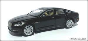 IXO JDCAXJ - 1:43 Scale Jaguar XJ - Amethist Black