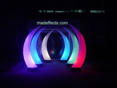 2 x 2.5 Metre LED Self inflating Tusks. (Limited special offer)