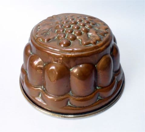 "Antique Kitchen Copper 8"" Round Jelly Cake Pudding Mould Mold with Grape Design Tinned Hanger"