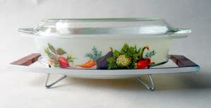 Mint Boxed Vintage Kitchen Tableware JAJ Pyrex Tuscany Market Garden 2.5 Pint Oval Casserole Dish with Stand Vegetables
