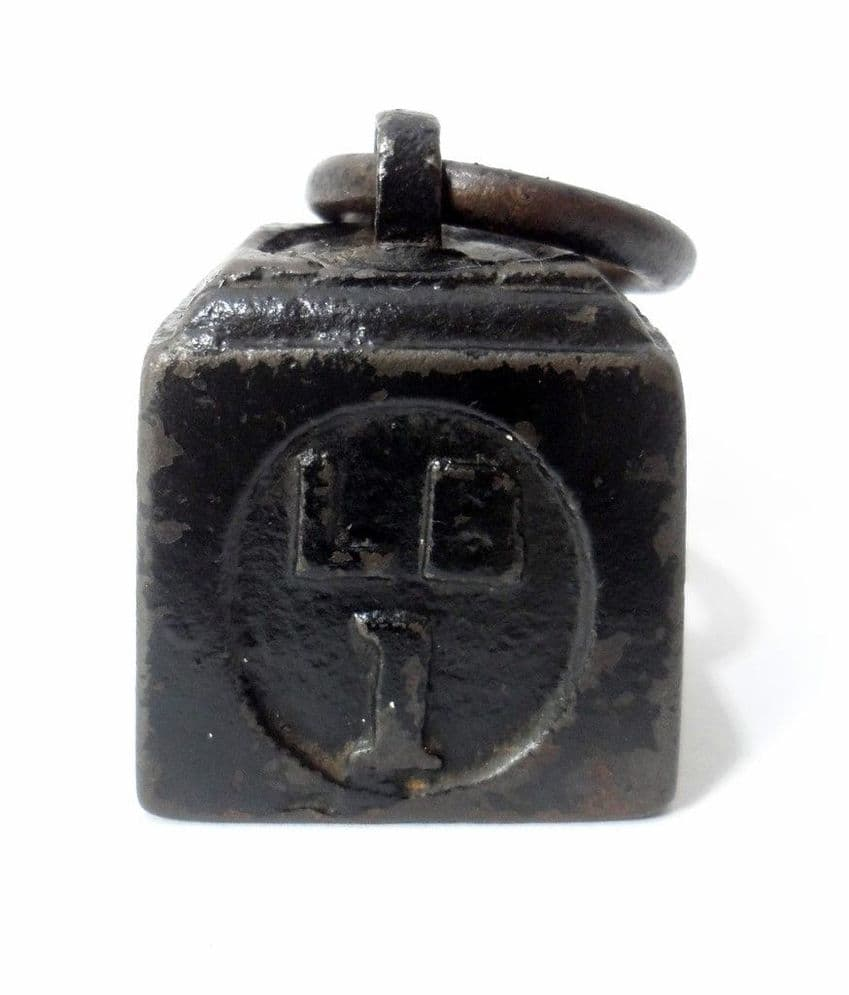 Vintage Antique Kitchen Shop Cast Iron Ring Top Weight 1lb One Pound Paperweight Cute! LB 1