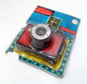 Vintage Camera Red Babette Optical Lens No. 6506 Made in Hong Kong 127 Film Carded Circa 1960s