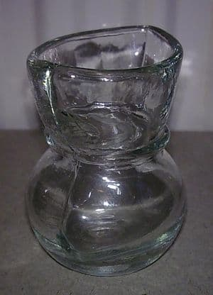 Vintage Clear Glass Reservoir Type Eye Bath Wash Circa 1950s Q2 Type
