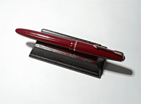 Vintage Desk Office Red Parker Slimfold Aerometric English Fountain Pen 14K Gold Nib 5 8 England 60s