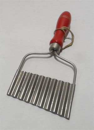 Vintage Kitchen Utensil Tool Nutbrown Stainless Steel Crinkle Cutter Chips Vegetables 50s Red Handle