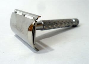 Vintage Shaving 1974 U4 4U Gillette 3 Piece Tech Safety Razor Made in England  Standard DE Blades