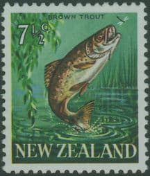 New Zealand Stamps SG871a 7½c Brown Trout with watermark upright